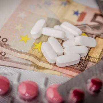 El gasto en medicamentos de hospital asciende por primera vez…