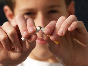 Dejar de fumar ayuda a prevenir la artritis reumatoide