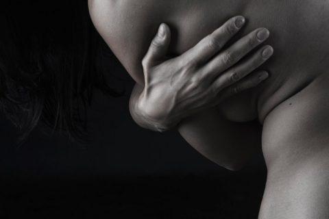 España no requiere la retirada de los implantes mamarios prohibidos en Francia, «por falta de evidencia científica»
