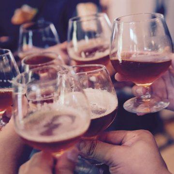 El consumo de alcohol provoca tres síndromes en el hígado