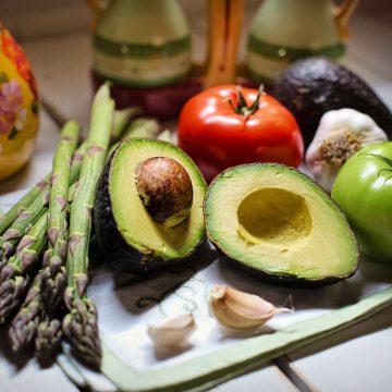 Los celiacos que siguen una dieta estricta tienen una menor…