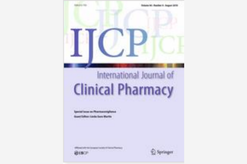 Antibiotic de-escalation on internal medicine services with rounding pharmacists compared to services without