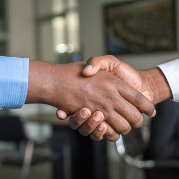 La alianza entre clínica y farmacia beneficia al paciente con…