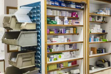 Farmacia hospitalaria: «Antes se hacía previsión para un mes, ahora se hace para…