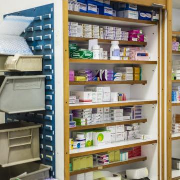 Farmacia hospitalaria: «Antes se hacía previsión para un mes, ahora…