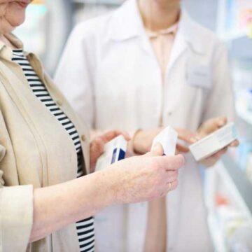 AEMPS y CGCOF impulsan en farmacias la concienciación por el…